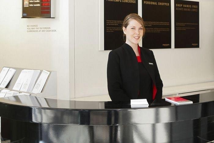 À quoi ressemble une carrière d'hôte ou hôtesse d'accueil en entreprise ?