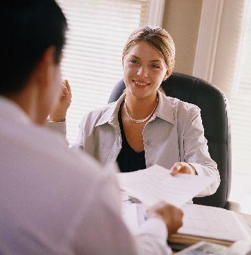 Comment rédiger un CV (curriculum vitae) d'hôte ou d'hôtesse?